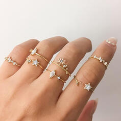 Shining Alloy With Star Rhinestones Rings 7 PCS