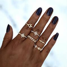 Shining Star Alloy With Rhinestone Star Moon Rings (Set of 5)