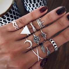 Exotic Triangle Alloy With floral Moon Leaf Rings (Set of 10)