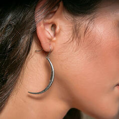 Romantic Round Alloy With Acrylic Earrings 2 PCS